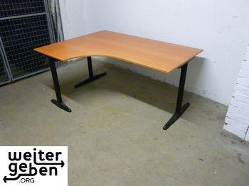 gespendet wird in Berlin dieser Holz-Schreibtisch