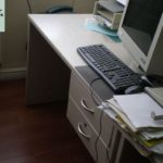 gespendet wird ein Schreibtisch in Magdeburg