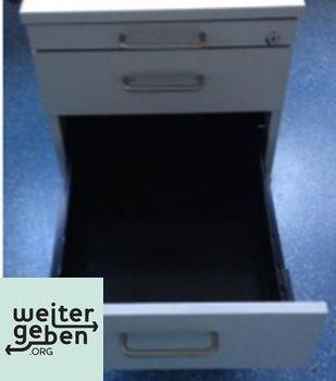 Stuttgart: Lichtgraue Rollcontainer 1 x 43x78x59 cm (BTH) Schlüssel vorhanden 1 x mit 4 Schubladen 1 x mit 2 Schubladen und Hängeregister