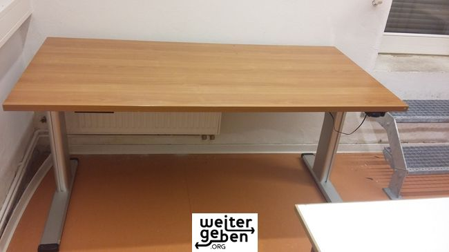 kostenlos höhenverstellbarer Tisch in Berlin