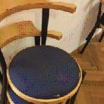 7 stabelbare Stühle zu verschenken