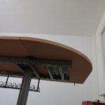 Bürotisch mit abnehmbaren Seitenteil
