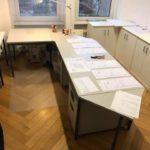 robuster Schreibtisch zu verschenken