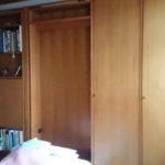 Schrankwand mit ausklappbaren Betten / (zwei Betten / Liegeflächen) Beleuchtung mit Kleiderschrank