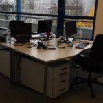 Schreibtische mit Rollcontainern
