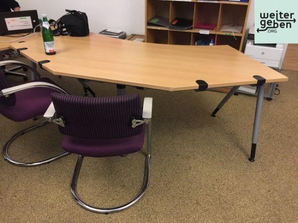 dieser Schreibtisch eignet sich für Geschäftsführer, leitende Mitarbeiter und Kreative, Standort Berlin Mitte