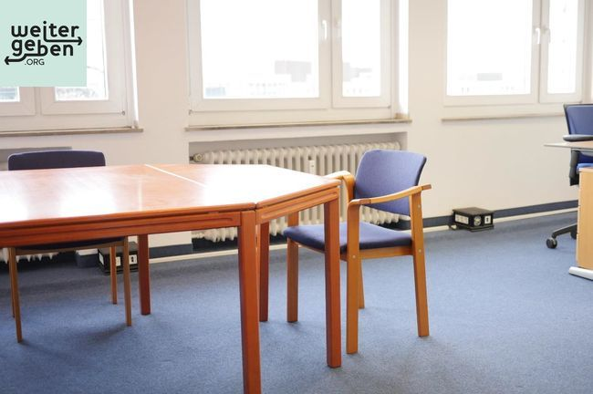 gespendet wird ein Besprechungstisch in Düsseldorf