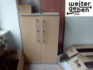 Schrank abschliessbaren türen 38*80*120 wird in Berlin gespendet
