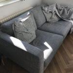 Dieses Sofa wird in Berlin-Mitte gespendet