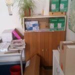 Schrank mit Regal und Türen in Strausburg und Tische zu verschenken