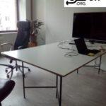 grosser Schreibtisch meetingraum weiss, Maße 250*125*80 wird in Berlin an Gemeinnützige abzugegeben