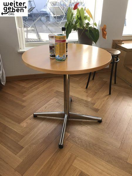 der runde Tisch kann als Bistrotisch, Beistelltisch bzw. kleiner Gastrotisch genutzt werden