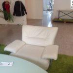 schöner, gebrauchter Sessel (kunstleder, hellgrau) in Berlin, Maße: 100*80*80
