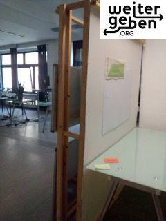 im Rahmen einer Büroauflösung wird auch diese Trennwand abgegeben