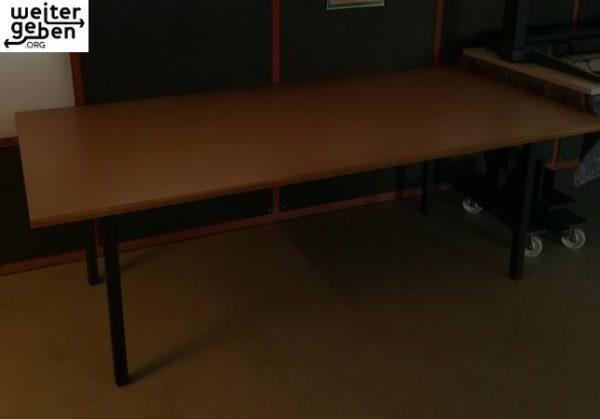Spende in Berlin Kreuzberg: 8x sehr große Tische, B/T/H - 200*100*75cm