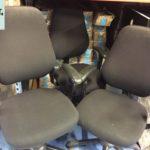 gebrauchte Bürostühle in den Farben Schwarz, Dunkelblau und Anthrazit, werden in Berlin / Brandenburg gespendet