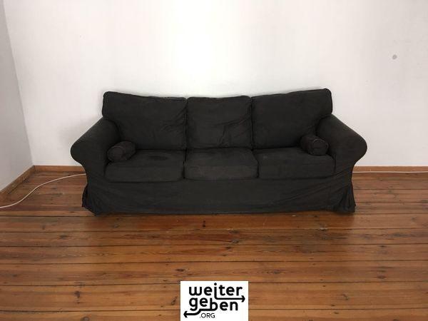 gespendet wird dieses Ikea sofa in Berlin Pankow