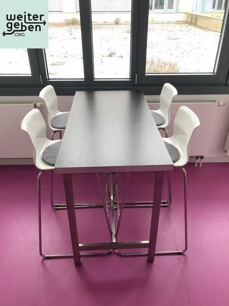 Bistrotisch mit 4 hohen Stühlen wird in Sulzbach gespendet