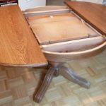 ausziehbarer Wohnzimmertisch, massiv, rund, 110 cm Durchmesser, ausziehbar um 55 cm, Höhe 75 cm