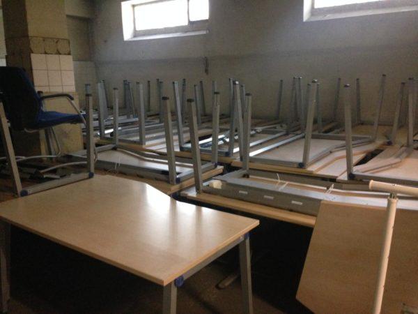 die Tische werden an gemeinnützige Vereine + Einrichtungen abgegeben