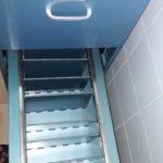 abschließbarer blauer Metallschrank