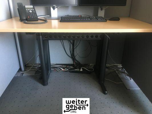 Tischplatte buche, Metallgestell in schwarz, 50 Stück a 160x80 cm, 50 Stück a 160x100 cm, 40 Stück a 140x70 cm