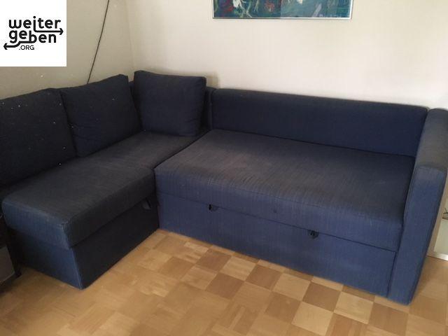 Möbelspende: ausziehbares blaues Schlafsofa in München