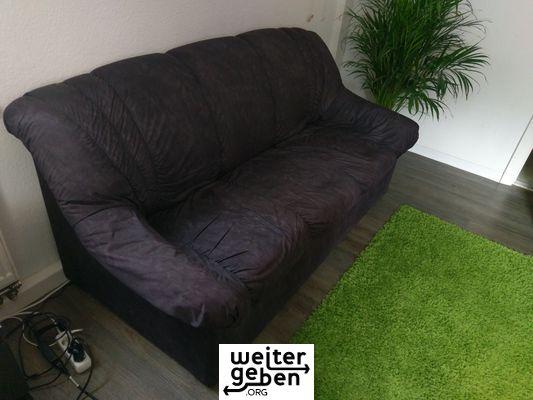 Sofa in Kassel wird gespendet