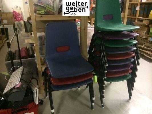 gespendet werden 9x Kindergarten Stühle in Heidelberg