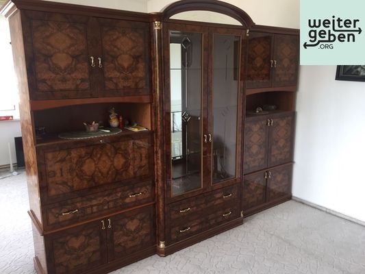 Möbelspende: elegante Wohnzimmer Schrankwand dunkles Holz + passender Tisch