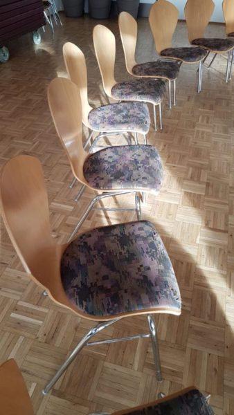 gespendet werden ca. 70 Besprechungsstühle in Fürstenfeldbruck
