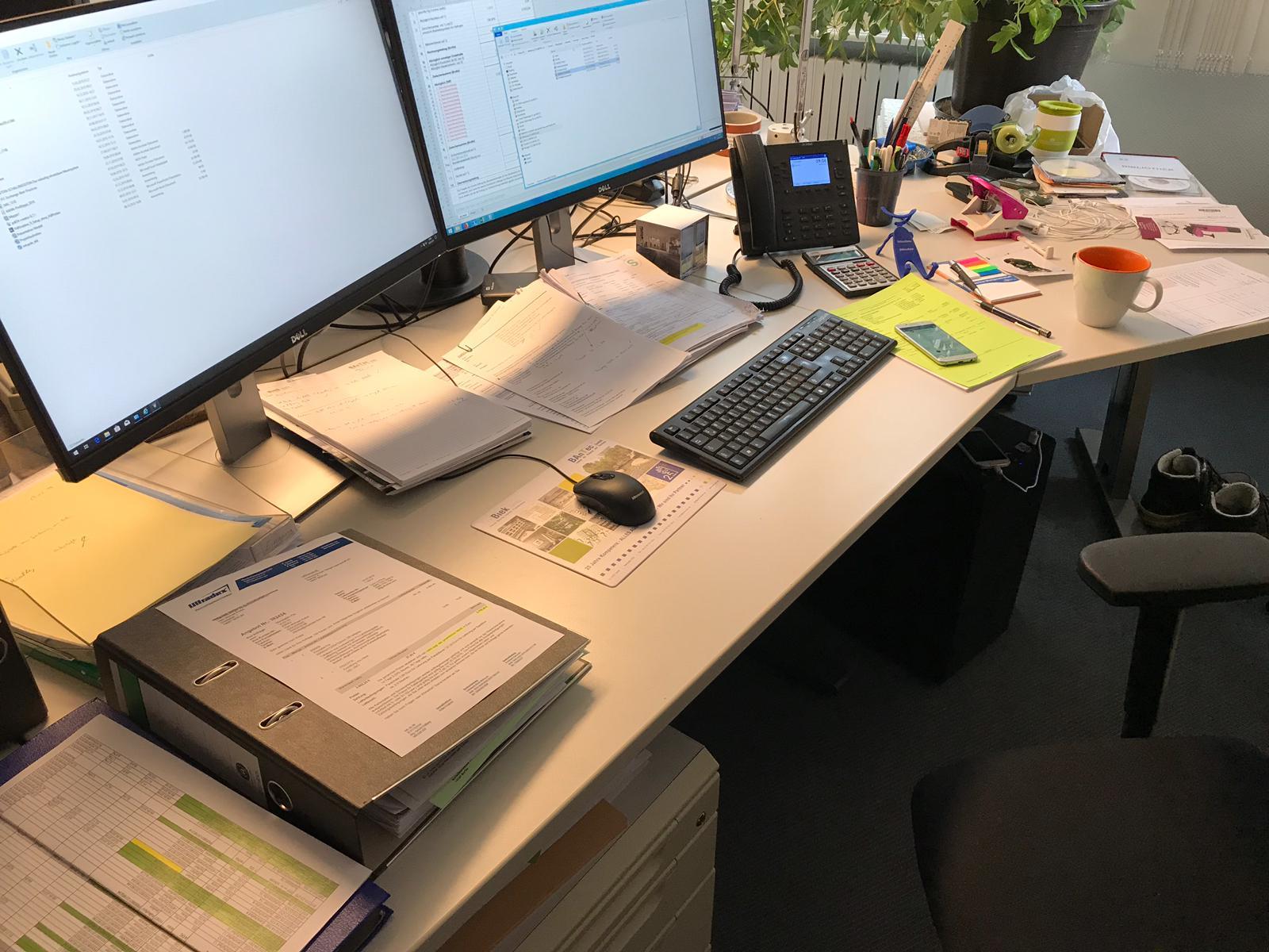 Spende Bürotische mit Anbau 14057 Berlin