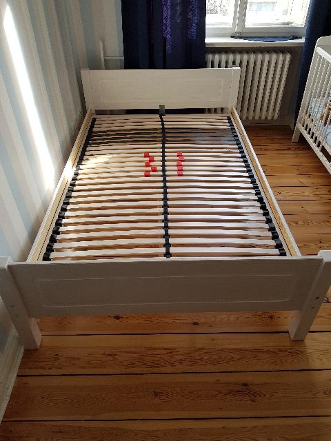 dieses Bett 120x200 wird in Charlottenburg-Wilmersdorf gespendet