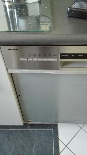 gebrauchte Siemens Geschirrspülmaschine wird in Berlin Charlottenburg Wilmersdorf gespendet
