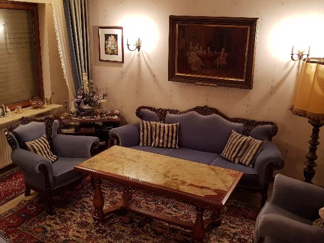 Spende: 4x Sessel Sofa Tisch in Neukölln