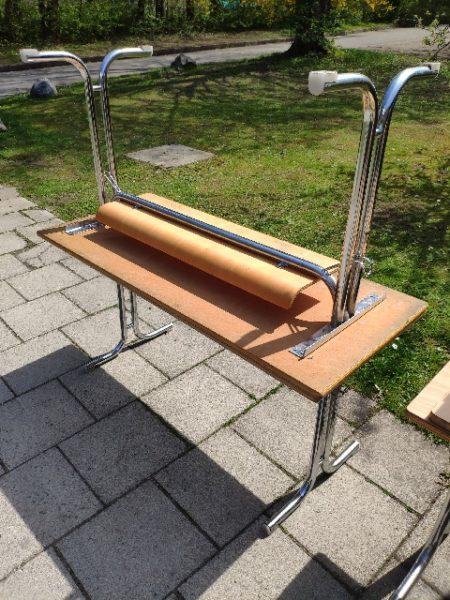 Spende viele Schultische werden in Ramersdorf-Perlach München gespendet A190093