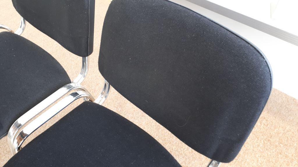Spende in Zehlendorf Berlin 4x schwarze Chrome Stühle