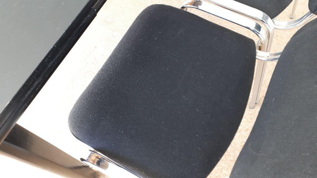 Spende in Zehlendorf 4x schwarze Stühle