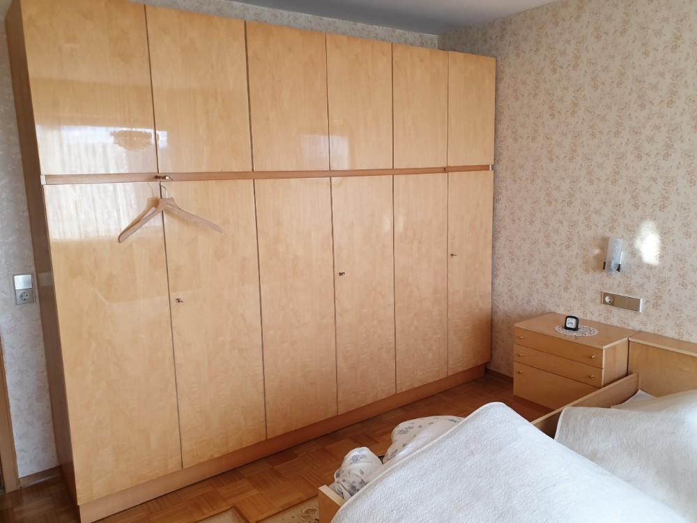 Wohnungsaufloesung-Oberriexingen-Schlafzimmerschrank