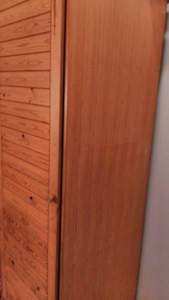 gebrauchter Holzschrank in Berlin wird gespendet A190110