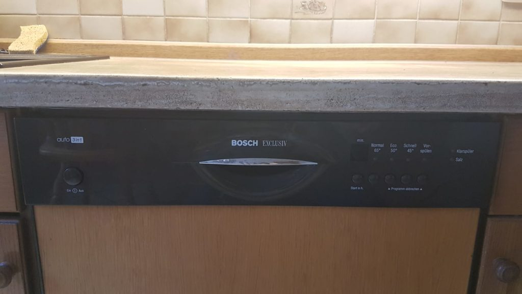 Küche inkl Bosch Spülmaschine in Oberbayern