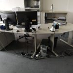 Schreibtische und Rollcontainer in Hessen werden gespendet