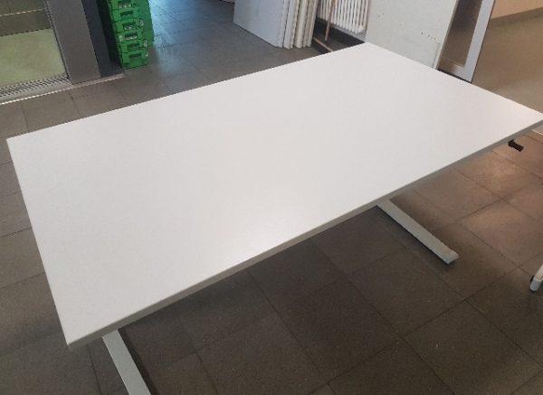 höhenverstellbare Tische in Berlin Spandau - A190137