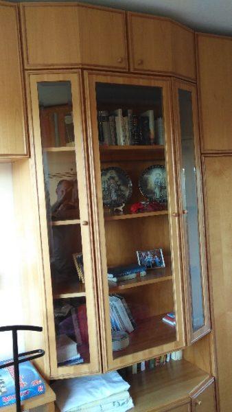 Wohnzimmerschrank Neukölln zu verschenken