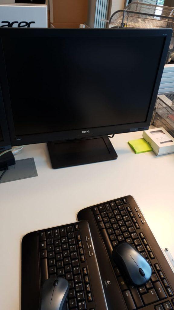 gespendet werden 59 x Benq-, Acer-, Dell-Monitore, alles 22 Zoll-Monitore