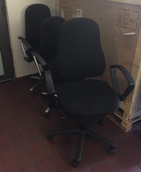 Spende: große Menge Bürostühle in Kreuzberg