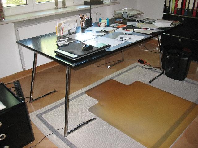 Spende: großer Design-Tisch Berlin