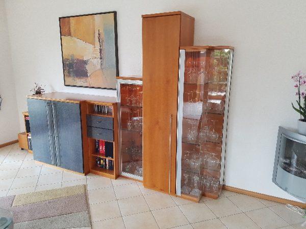 Möbelspende: Sideboard Wohnwand Vitrinen