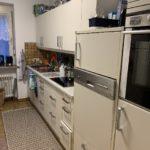 komplette Küche mit vielen Geräten in Dachau
