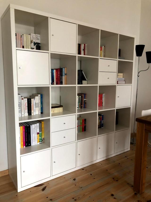 gespendet wird ein KALLAX Regal von Ikea in Berlin Friedrichshain Lichtenberg